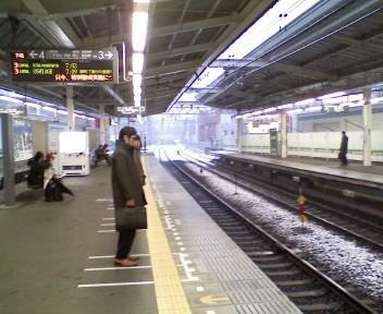 雪の駅風景