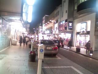元町商店街通過
